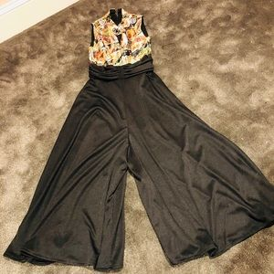 A-MAZING! Dynamite pants suit with metallic top